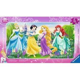 Puzzle Promenade Princesses...